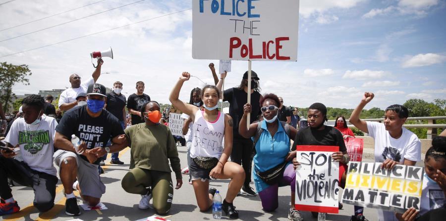 Truck driver runs over several protesters in organized protest in Florida