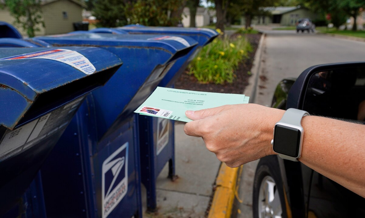 """Judge orders the Postal Service to adopt """"extraordinary measures"""" to deliver vote-by-mail ballots on time"""